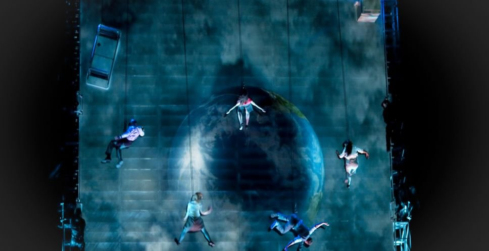As The World Tipped by Wired Aerial Theatre. Credit: Sophie Laslett5