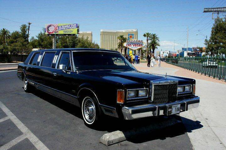 flawless 1989 Lincoln Town Car limousine