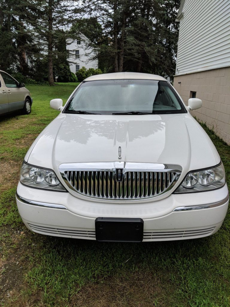 Mechanically restored 2006 Lincoln Town Car Limousine