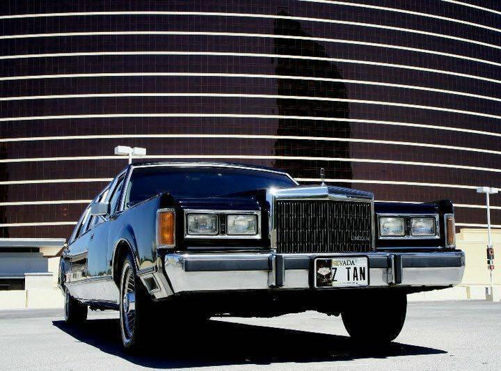 Classic 1989 Lincoln Town Car Limousine