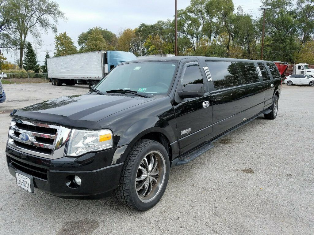 stretched 2007 Ford Expedition EL XLT Limousine