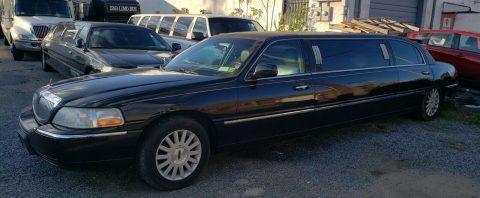 clean 2006 Lincoln Town Car Limousine for sale