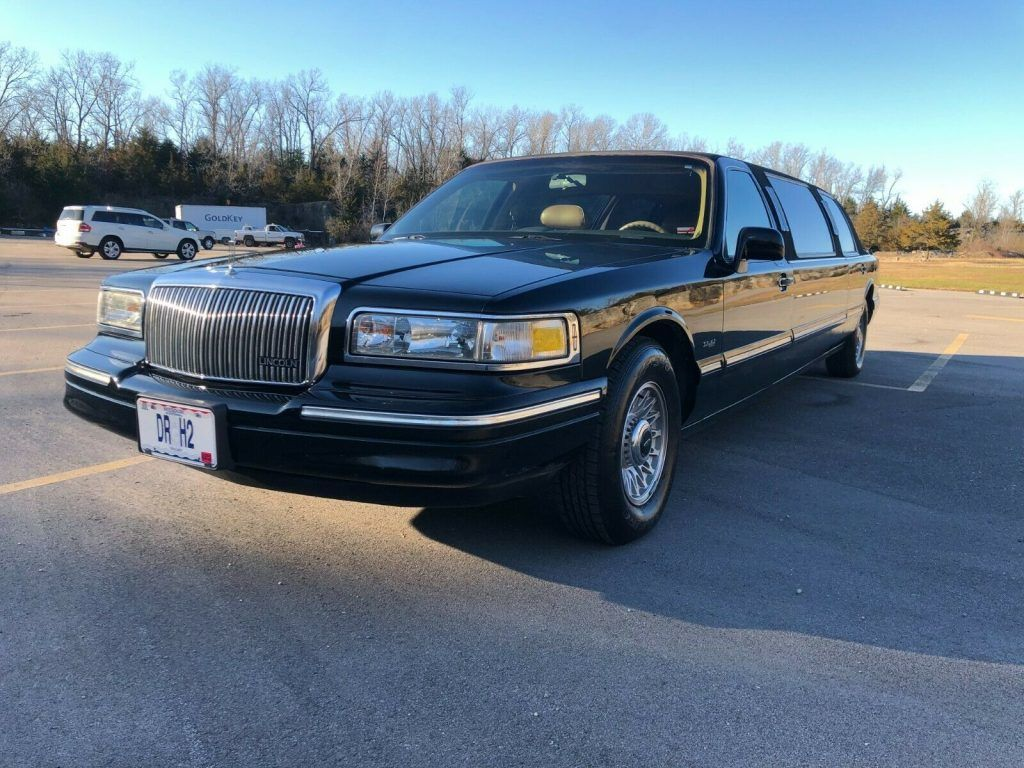 1996 Lincoln Town Car Limousine [low miles]
