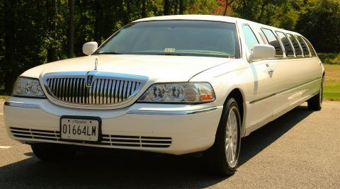2003 Lincoln Town Car Limousine [14 passenger limo] for sale