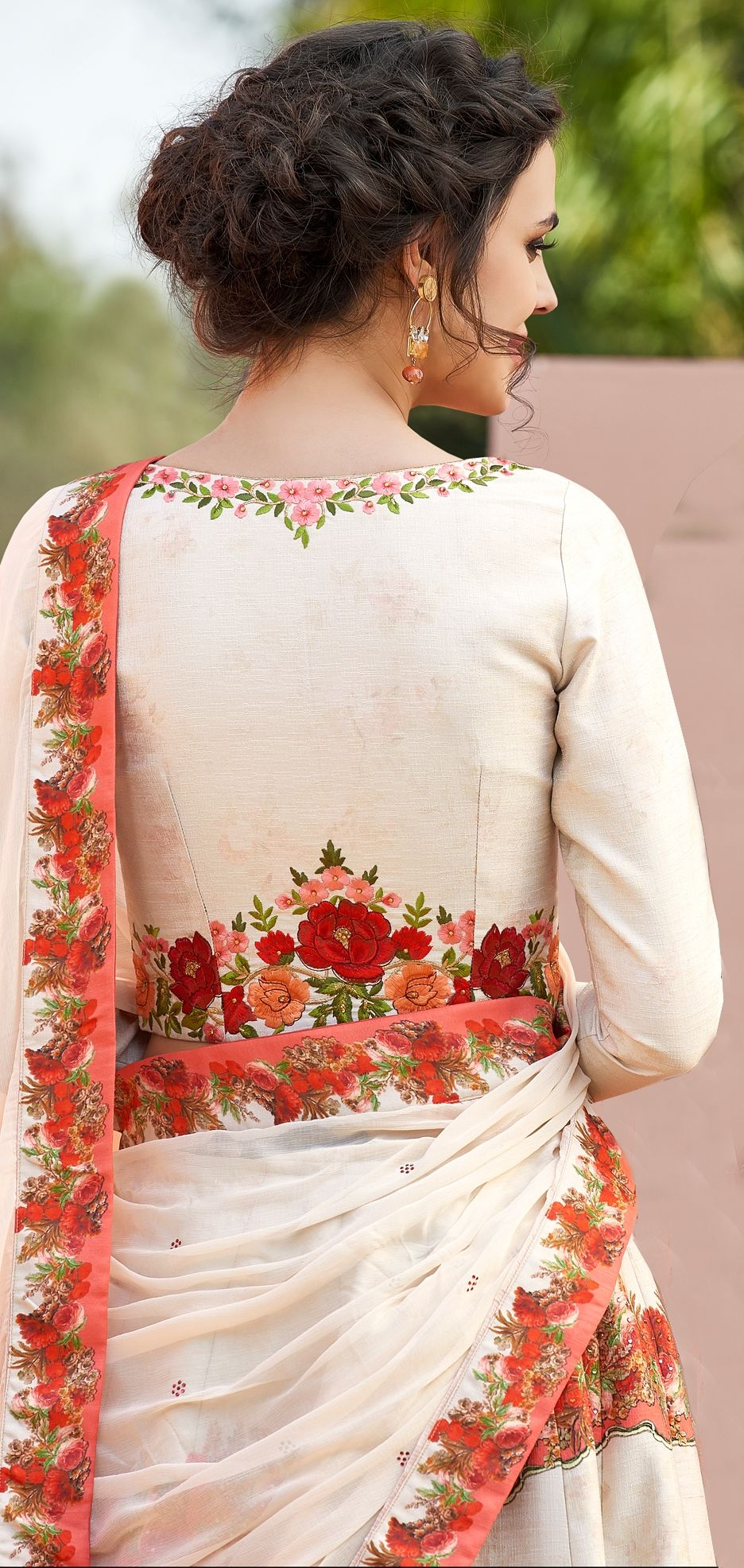 VOGUISH FLORAL ATTIRES to give you LIVELY GLIMPSES