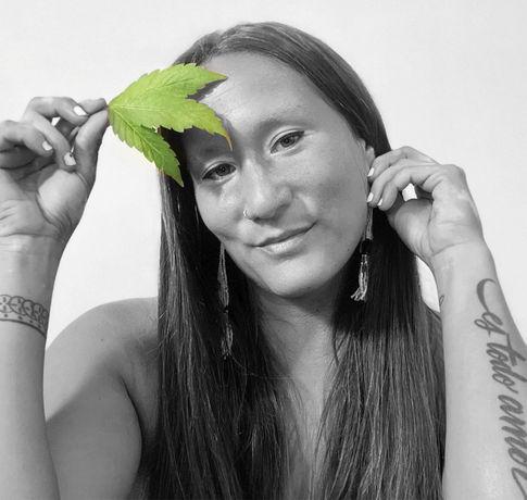 Dania Cabello: Ojo De La Sol