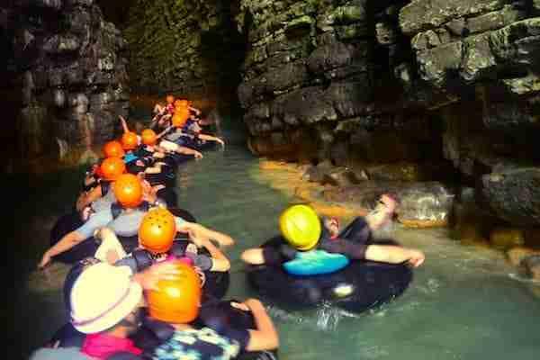 Paket Wisata Cave Tubing Goa Kalisuci