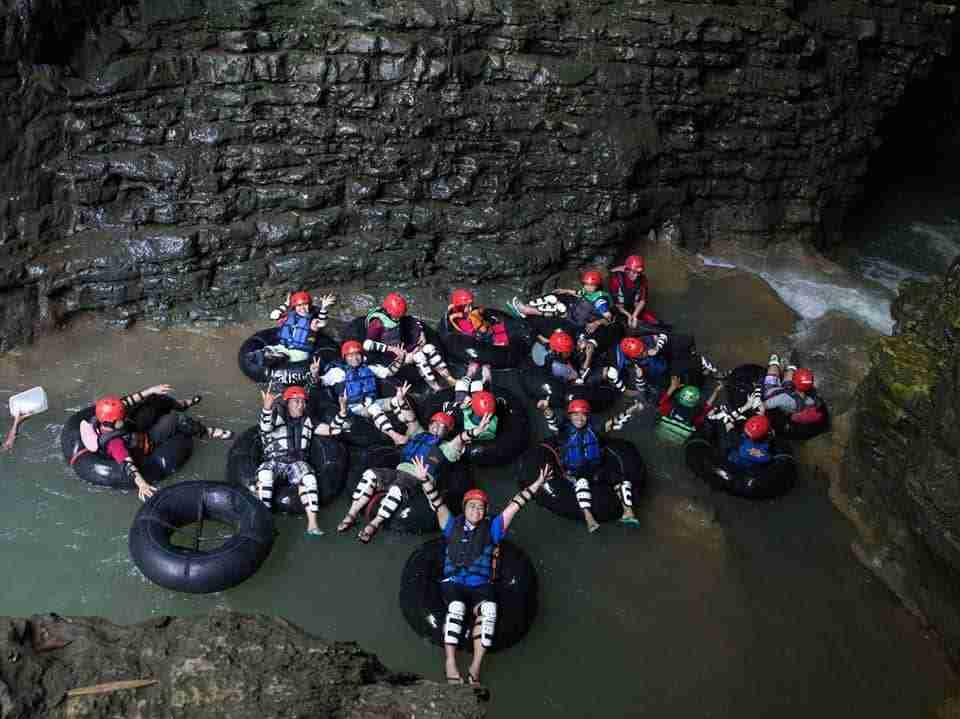 Wisata Cave Tubing Goa Kalisuci