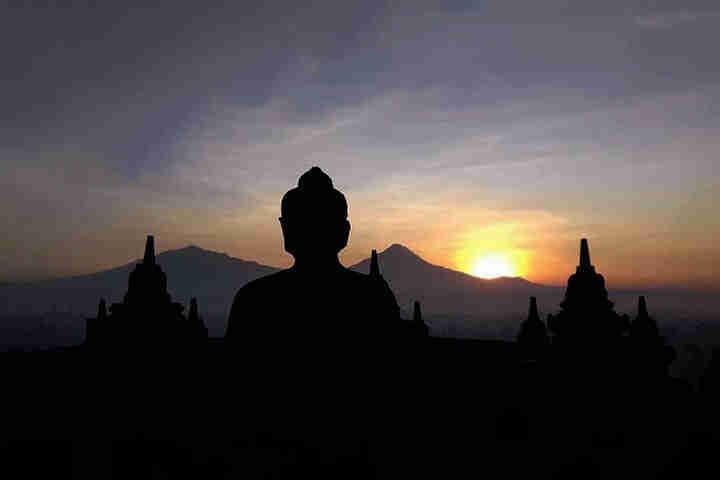 Candi Borobudur Sunrise