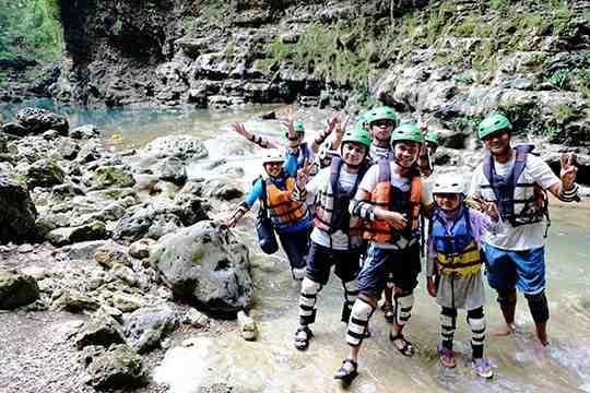 Tempat Wisata Adventure cocok dan ramah untuk Anak di Jogja: Cave di Goa Pindul