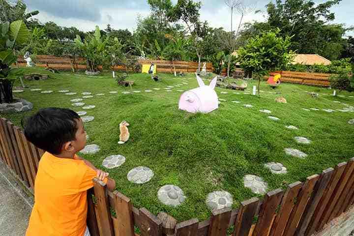 Tempat Wisata Heritage cocok untuk petualangan Anak di Jogja: Kampung Flory