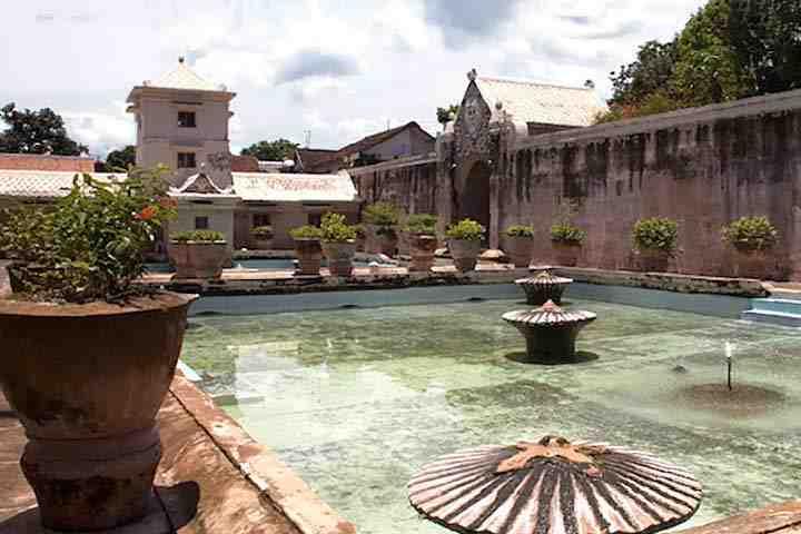 Kolam Taman sari