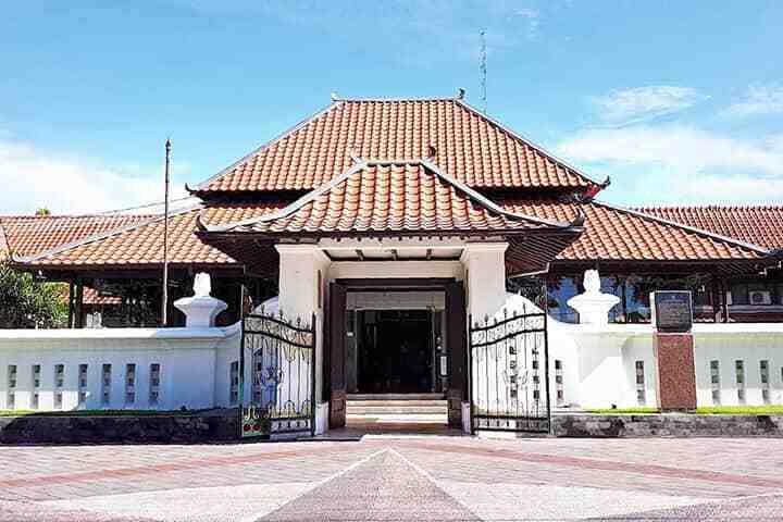 Tempat Wisata Edukasi Ramah Anak di Jogja: Museum Sonobudoyo