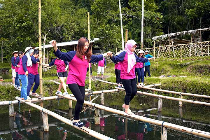 paket outing outbound dan team building