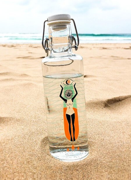 Soulbottle aus Glas am Strand