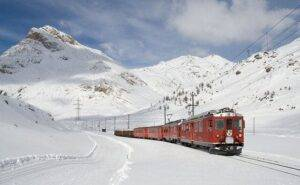 train photo download