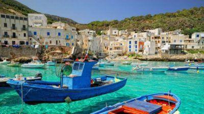 Borgo del pescatore Isola Levanzo Escursione in barca