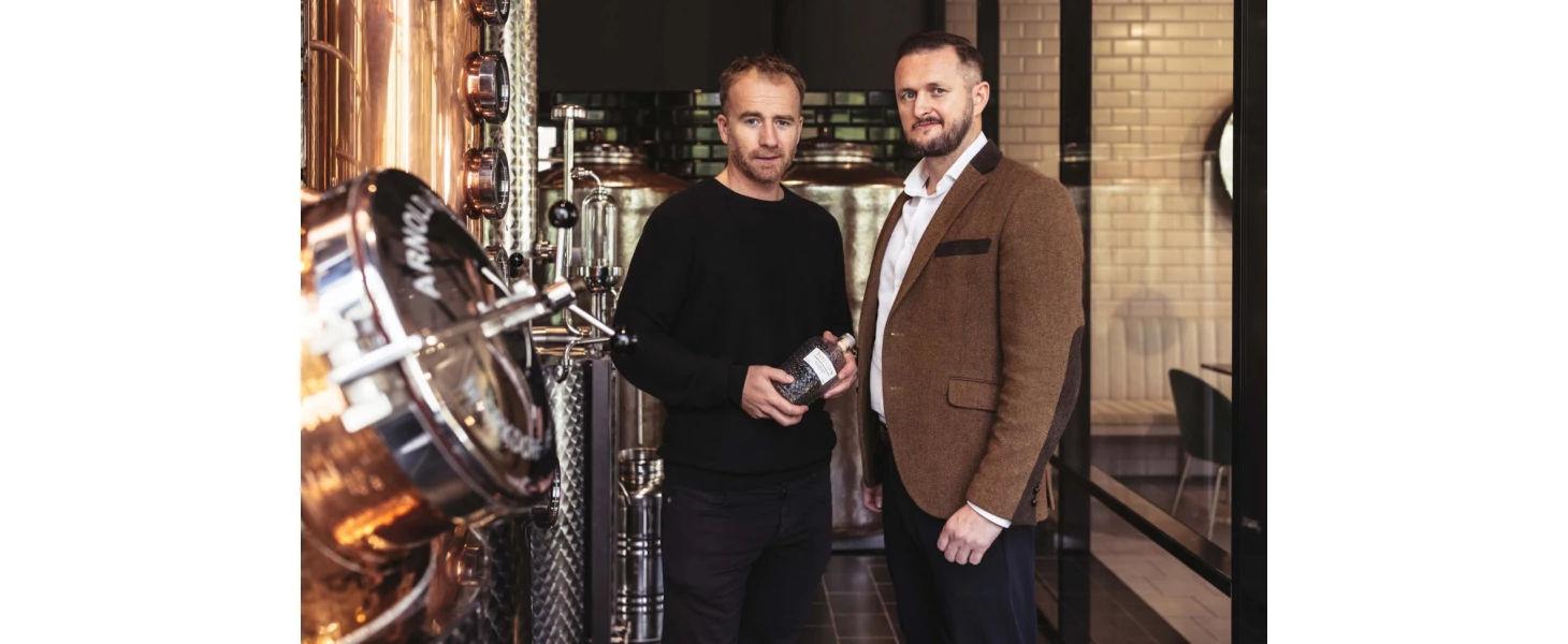 Hľadali dokonalo vyladený gin, tak otvorili vlastnú destilérku