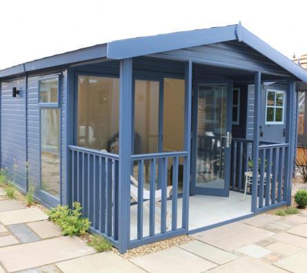 Studio Apex garden office by Malvern Garden Buildings