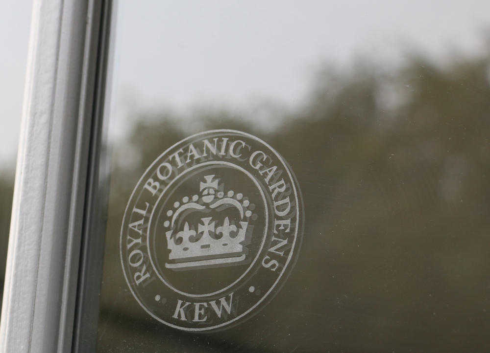 Royal Botanic Gardens Kew window badge