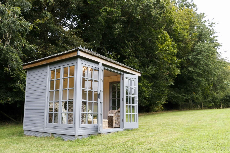 Malvern Garden Buildings visits Jan who owns a Kew Victoria garden room. Owner