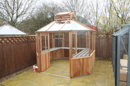 Altons Octagonal Greenhouse 9x9
