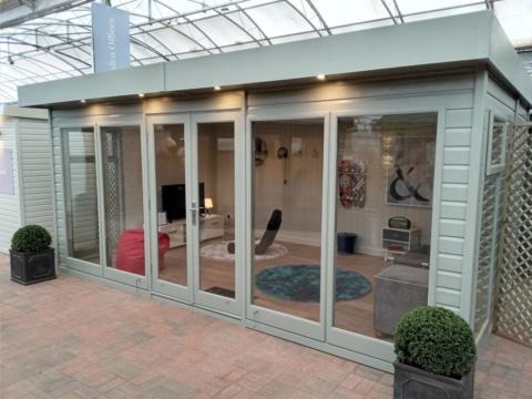 Flat Roof Studio by Malvern Garden Buildings