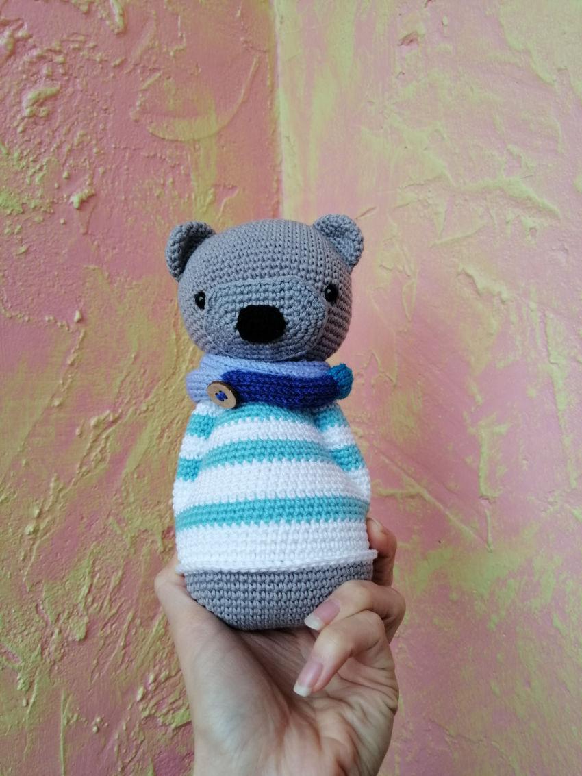 žaislai | minkšti | minkštas nertas meškutis dryžuotu megzti