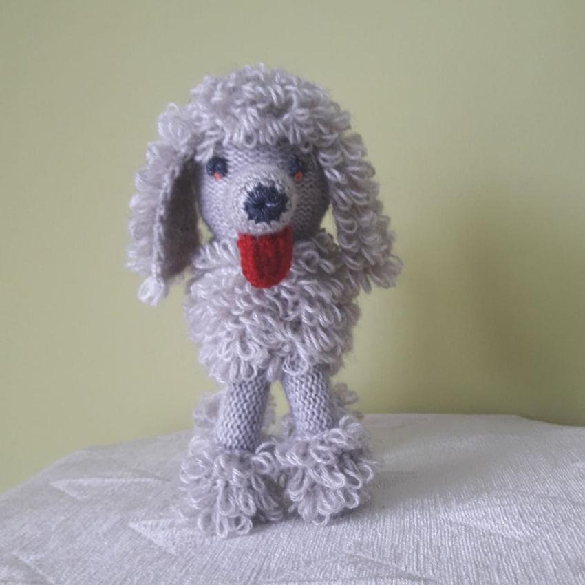 žaislai | minkšti | rankų darbo megztas šuniukas - pudelis,