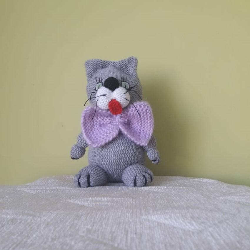 žaislai | minkšti | rankų darbo megztas katinas, 17 cm aukšč