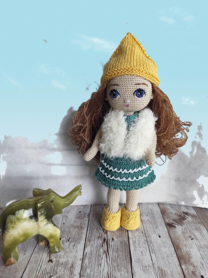 žaislai | lėlės | lėlė nerta 23 cm aukščio, šukuojamais pl