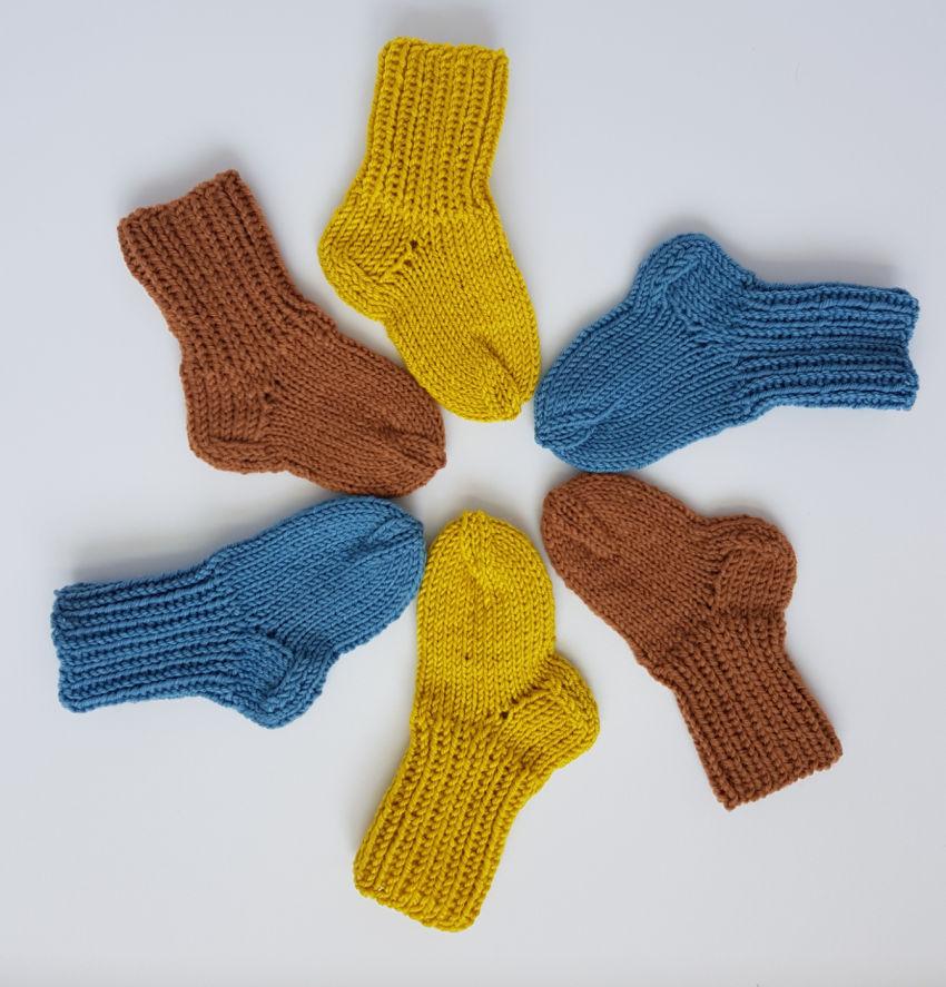 avalynė | kojinės | merino vilnos geltonos rudos mėlynos spa