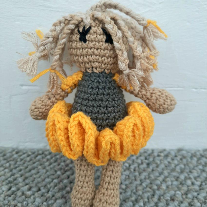 žaislai | lėlės | rankų darbo - maža lėlė, 13cm ūgio. spal