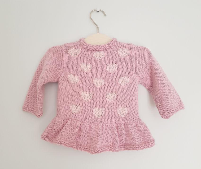 apranga mergaitėms | Megztukai | rožinis megztukas-suknelė su širdelėmis