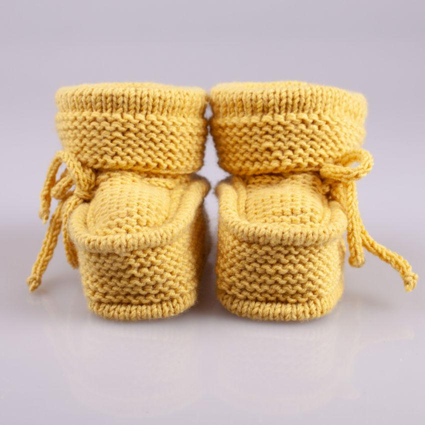 avalynė | tapukai | megzti rankomis merino vilnos geltonos s