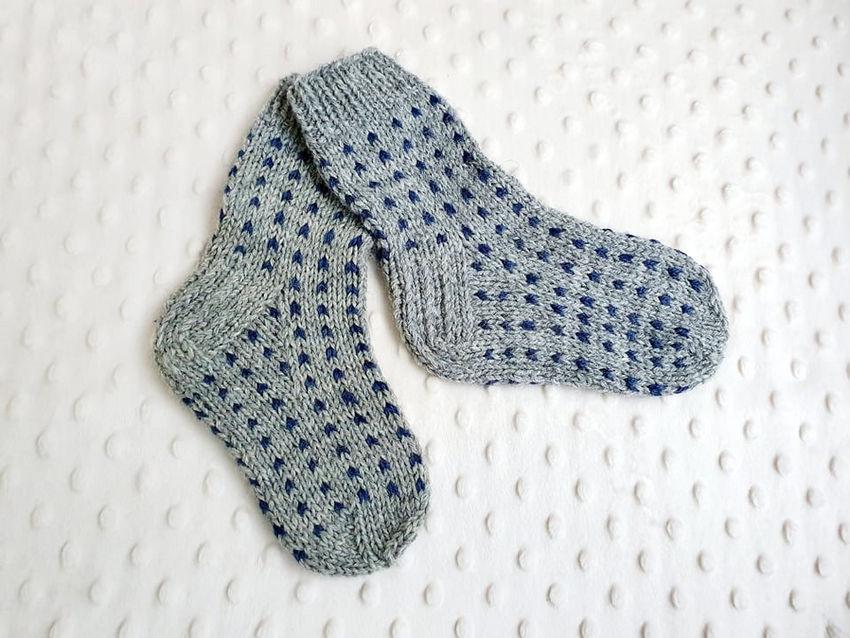 avalynė   kojinės   kojinytės 3-3,5  metų  amžiaus , 100 % a