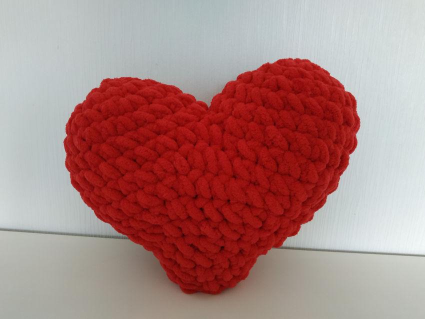 dekoracijos   pagalvėlės   rankų darbo pagalvė - širdis. apie 40x32