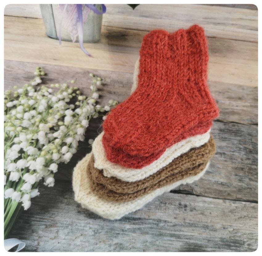 avalynė   kojinės   avies vilnos kojinyčių rinkinys  kūdikiu
