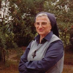 Zuster Marie-Teresia (Margriet Van Hauwermeiren)