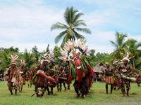 De ouderen voeren hier een religieuze dans op. © Heritage Expeditions