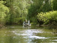 Met de boot verkennen we het rivierensysteem van de Pripyat. © STARLING reizen