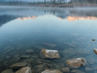 Third Vermillion Lake tijdens de vroege ochtend. © Bart Heirweg