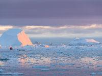 De avond valt boven de ijsvlakten van Groenland. © Bart Heirweg