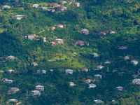 Het landschap in Batumi, gezien vanop de telpost. © Billy Herman