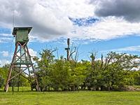 Een uitkijktoren op de poesta. © Rudi Debruyne