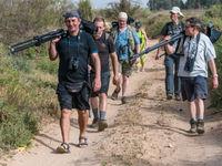 Op pad met de groep tijdens een zoektocht naar vale oeverzwaluw in Oued Massa. © Billy Herman