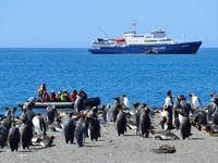 De Plancius arriveert in Zuid-Georgia. © Oceanwide Expeditions / STARLING reizen