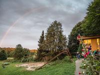 Een prachtige regenboog voor het slapengaan. © Kenny Kenners