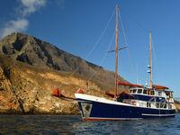 Het schip is het ideale transport om de eilandengroep te verkennen. © Yves Adams