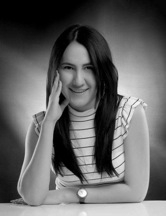 Angélica Vargas Garnica, Estratega de Marketing Digital en Galanés Agencia de Comunicación, más que una agencia de publicidad en Bucaramanga, Colombia.